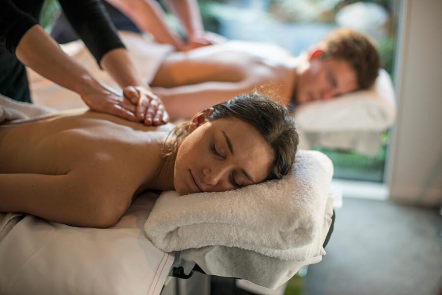 Massage-Glacier-Hot-Pools