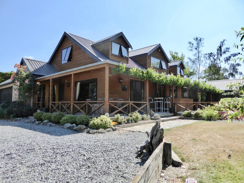 New Zealand Safaris ~ All Seasons Lodge exterior