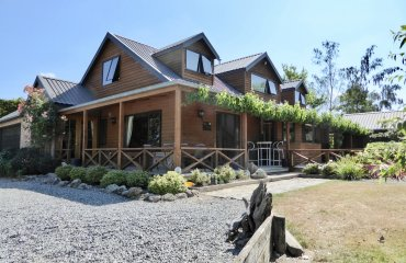 New Zealand Safaris ~ All Seasons Lodge exterior