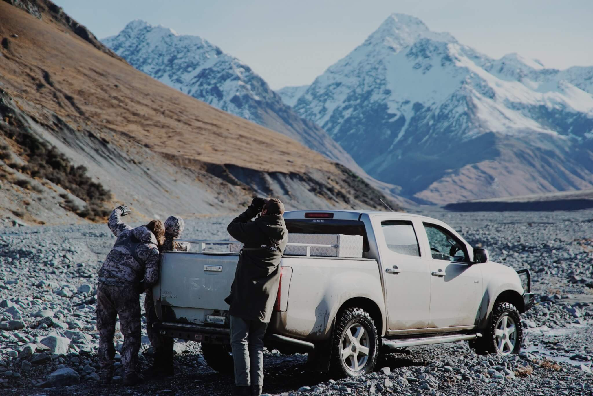 New Zealand Safaris Glassing from Truck
